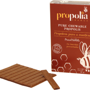 """la Propolis, qui est notre ingrédient historique. """"Intense"""" tient bien sûr du fait que la Propolis y est purifiée, très concentrée, très forte, très efficace..."""